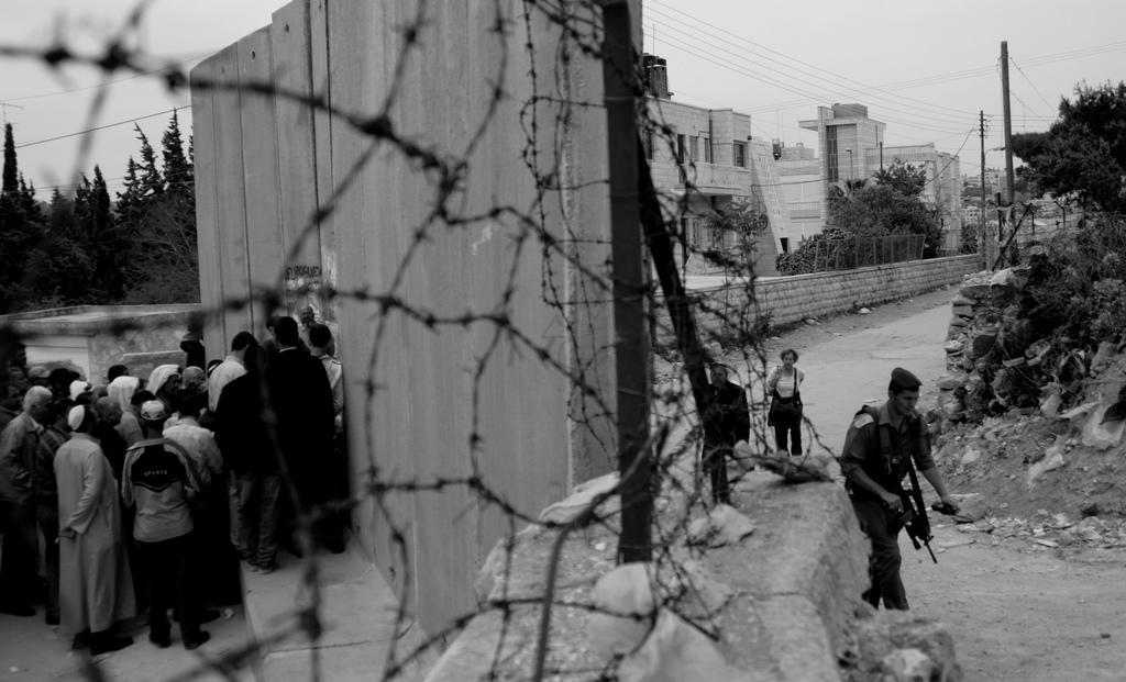 и арабизация, и американизация превратили Израиль в типичное ближневосточное государство. Абу Дис, фото: Kashfi Halford