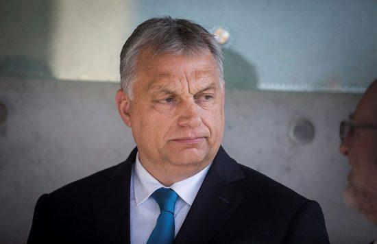 Виктор Орбан - почетный гость?